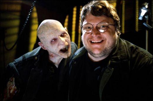 Guillermo-Del-Toro con vamp